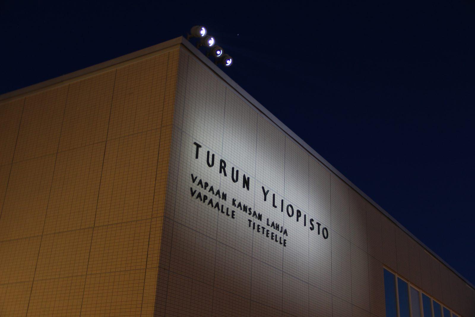Turun yliopiston valaistus